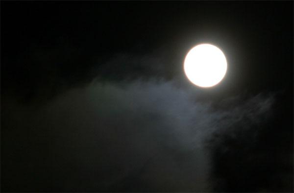 moon_cloud.jpg